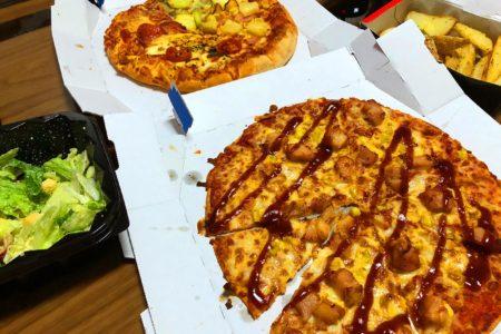 久しぶりにピザをデリバリー