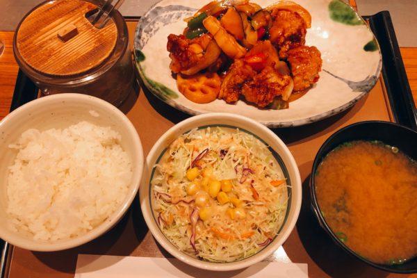 彩野菜と鶏の黒酢あん定食