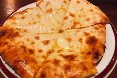 【ブログ更新】墨田区本所1丁目交差点近くにある隠れ家的『インド料理店&バー ドリ』でチーズナンを堪能